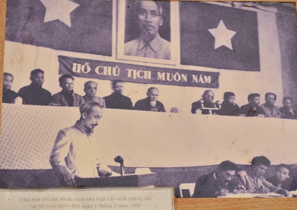 Bác Hồ trình bày luật cải cách ruộng đất tại kỳ họp Quốc Hội vào ngày 1 tháng 2 năm 1953