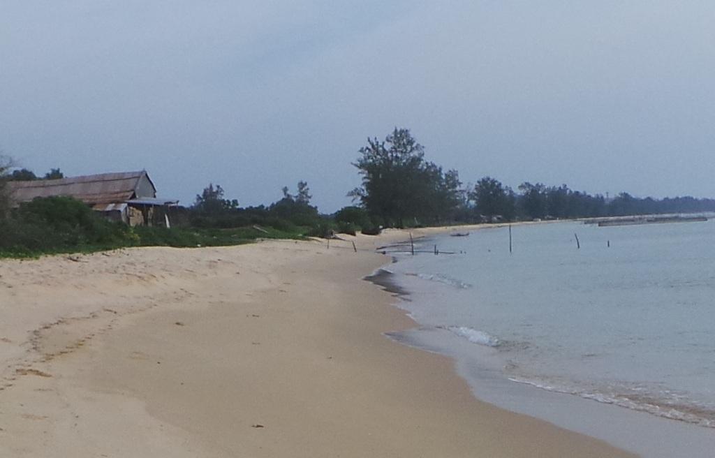 Bãi biển ở ấp Bãi Dài, xã Gành Dầu