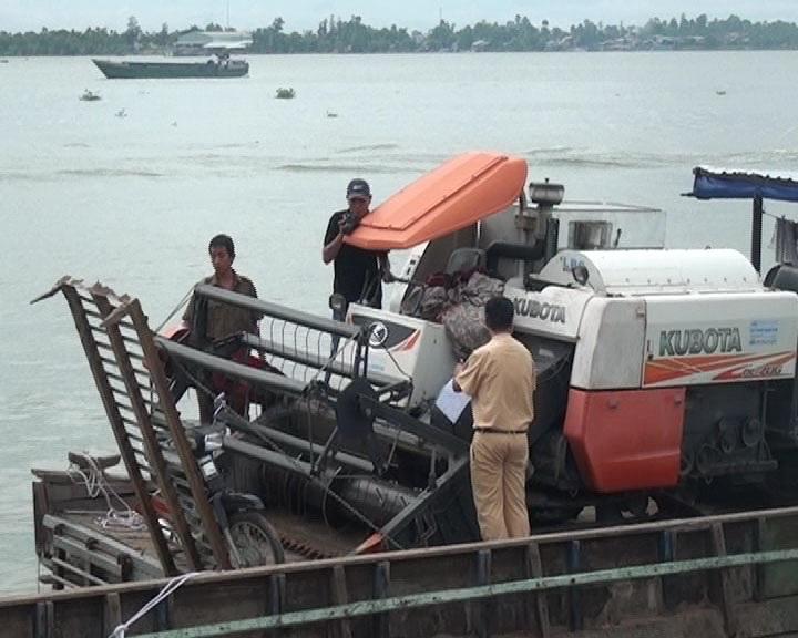 Bé gái 5 tuổi chết thảm khi theo ông đi chở gạch trên sông Hậu