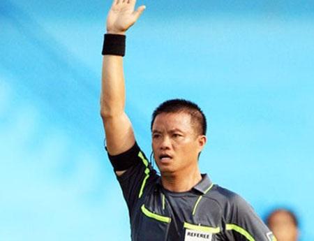Trọng tài Võ Quang Vinh vẫn chưa lành hẳn chấn thương