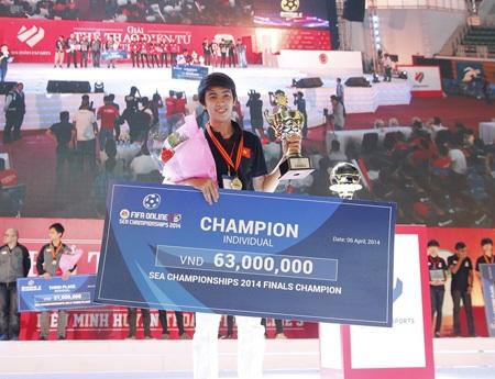 Nguyễn Thái Bảo vô địch nội dung cá nhân FIFA online 3
