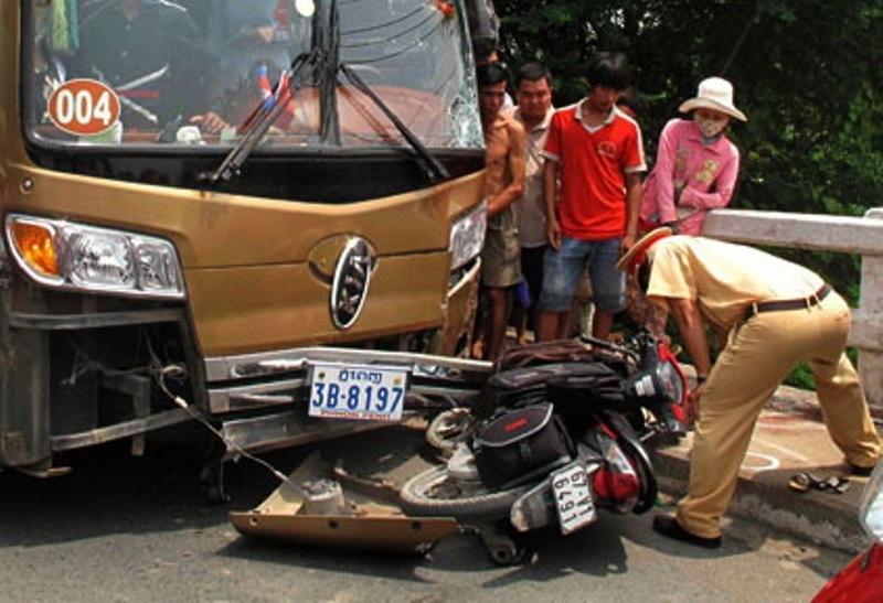 Hiện cơ quan chức năng đang tiếp tục điều tra là rõ nguyên nhân vụ tai nạn.
