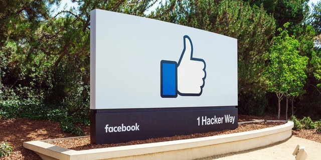 facebook-front-sign-headquarters-hq-offices-home-fb-640x0-1478486133004