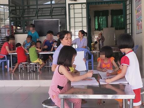 Những cháu bé mang trong mình căn bệnh thế kỷ tại Trung tâm Nuôi dưỡng Bảo trợ Linh Xuân, Thủ Đức