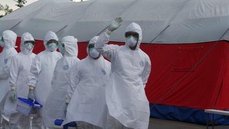 Cuộc chiến với dịch bệnh đang ngày một căng thẳng nhưng y tế dự phòng còn nhiều khó khăn