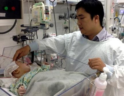 2 ngày sau cuộc mổ, bệnh nhi đã cai được máy thở, sức khỏe bình phục tốt