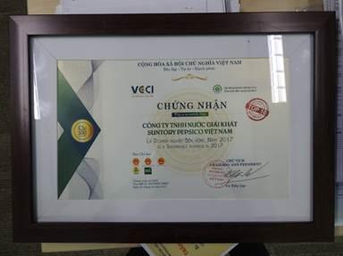 Suntory PepsiCo Việt Nam vừa được vinh danh Top 10 Doanh Nghiệp Bền Vững năm 2017