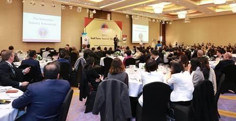 Lễ trao Giải thưởng Amcham CSR Award 2017 được diễn ra trang trọng tại Hà Nội