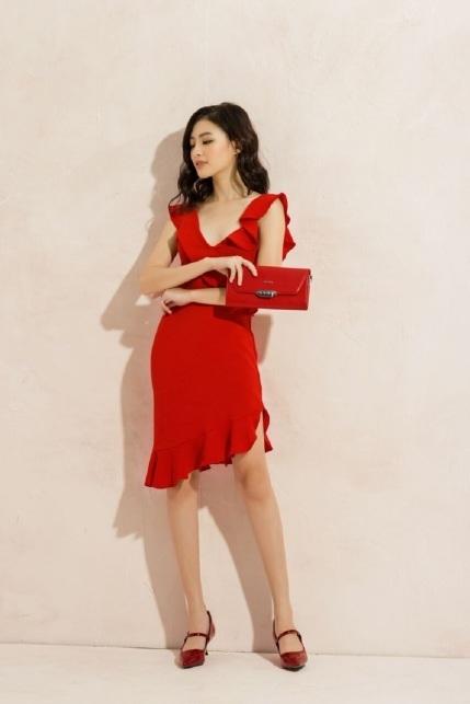 Diện bộ trang phục này, bạn trở nên xinh đẹp và cuốn hút, khiến bao chàng phải say mê từ cái nhìn đầu tiên.