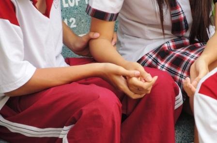 Nhiều bạn trẻ yêu nhắm mắt khi yêu mà không lường được hậu quả (Ảnh minh họa)