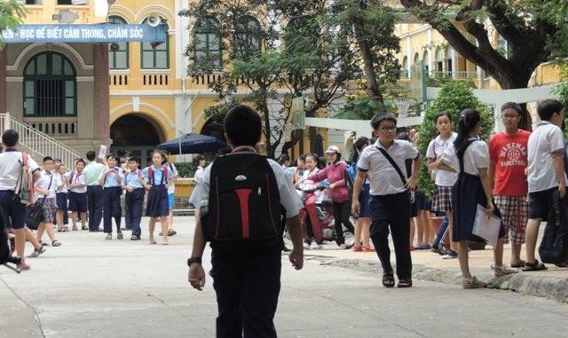 Học sinh TPHCM lại có thể học thêm tại trường sau chủ trương xóa dạy học thêm trong trường học trước đó của thành phố