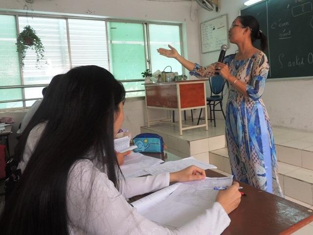 Thành ủy TPHCM chỉ đạo nâng cao đời sống giáo viên trong lộ trình chấm dứt dạy thêm học thêm tràn lan