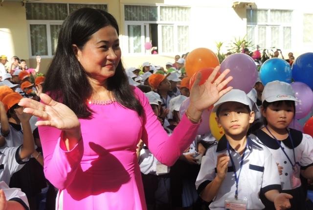 Sở GD-ĐT TPHCM yêu cầu các trường không huy động phụ huynh đóng góp để chăm lo cho thầy cô giáo dịp 20/11 (Ảnh minh họa: Hoài Nam)