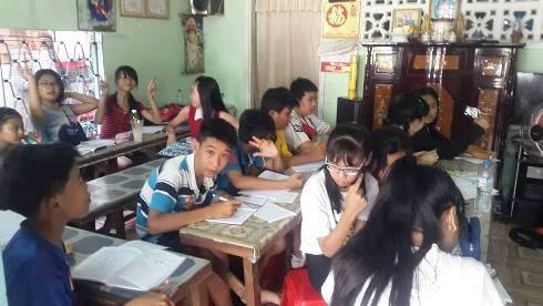 Việc giáo viên o ép học sinh đi học thêm là học sinh, phụ huynh khổ sở, dư luận bức xúc