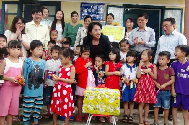 Câu nói Thà cô chết chứ không để trò chết của các cô giáo ở Trường mầm non An Hiệp, Tuy An, Phú Yên xuất hiện trong đề thi Văn của tỉnh Lâm Đồng (Ảnh: Doãn Công)