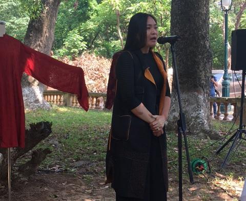 NTK Lan Hương chia sẻ trong buổi hội thảo sáng 16/10 tại Hoàng thành Thăng Long. Ảnh: Tùng Long.