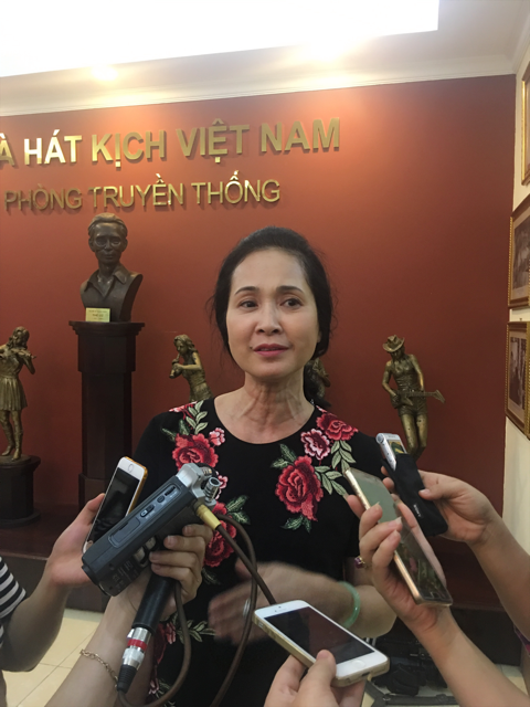 NSND Lan Hương chia sẻ về cuộc sống sau khi nghỉ hưu trong buổi ra mắt vở kịch Chuyện nàng Kiều. Ảnh: Tùng Long.
