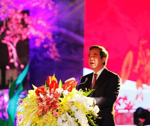 Ông Nguyễn Văn Bình - Ủy viên Bộ Chính trị, Trưởng Ban Kinh tế Trung ương, Trưởng Ban chỉ đạo Tây Bắc phát biểu tại lễ khai mạc.