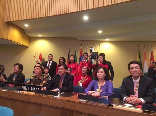 Đoàn Việt Nam tại Phiên họp Uỷ ban Liên Chính phủ về bảo vệ di sản văn hóa phi vật thể lần thứ 11 của UNESCO diễn ra tại thành phố Addis Ababa, Cộng hòa dân chủ Liên bang Ethiopia. Ảnh: Phạm Cao Quý.