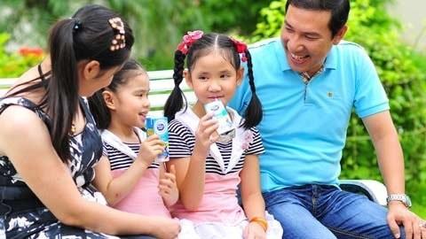 Gia đình Quang Thắng vẫn ở dưới Hải Phòng và danh hài vẫn thường tranh thủ những lúc rảnh rỗi về thăm vợ con.