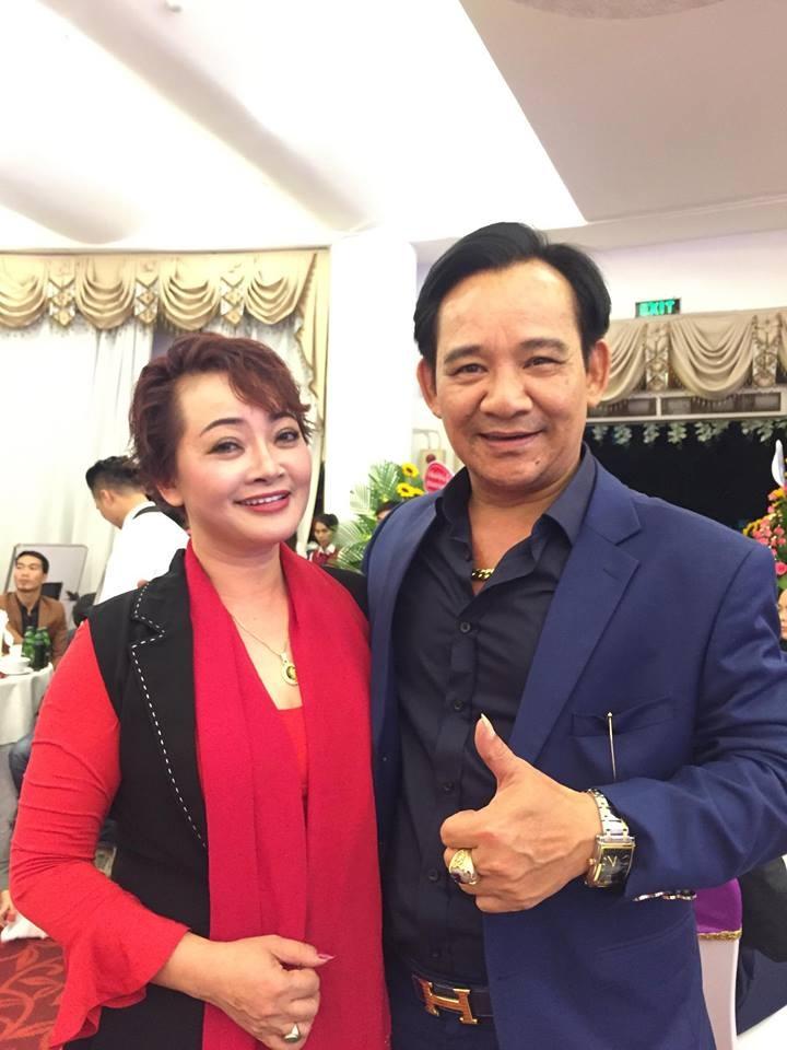 Nghệ sĩ Tiến Quang và Trà My vai ông Sáng bà Rực trong phim.