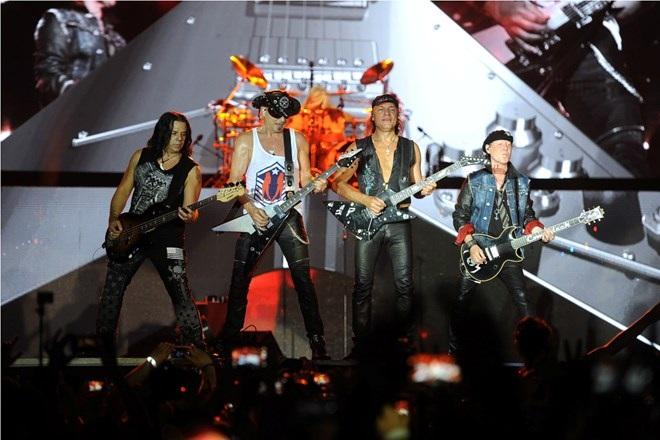 Scorpions tại Hoàng thành Thăng Long hồi tháng 10/2016. Ảnh: BTC.