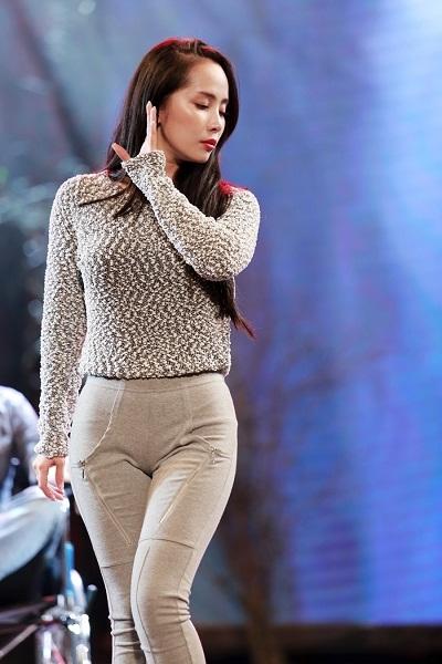 """""""Cá sấu chúa"""" Quỳnh Nga là một người mẫu tóc trong Davines Hair Show 2014"""