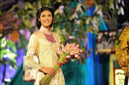 Hoa hậu Ngọc Hân bỏ lỡ Đại lễ ngàn năm Thăng Long