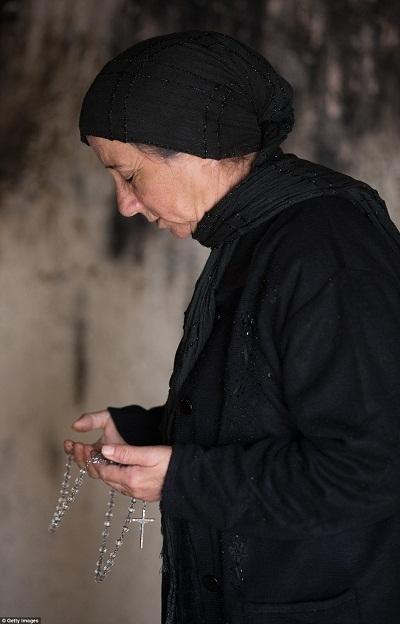 Những lời cầu nguyện là cứu cánh tinh thần cho những người tị nạn.