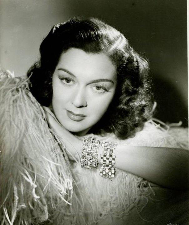Nữ diễn viên Rosalind Russell: