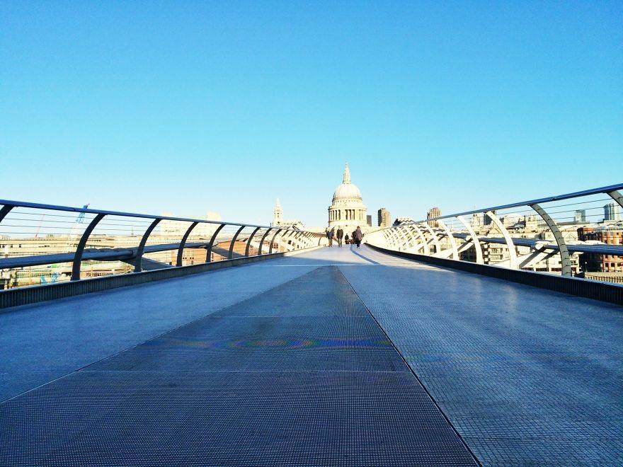 Cầu Millennium và nhà thờ St.Paul