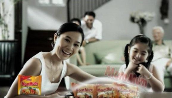 """Slogan """"Ăn ngon mỗi ngày"""" Hãng mì ăn liền Châu Á do Tứ Vân Media sáng tạo."""