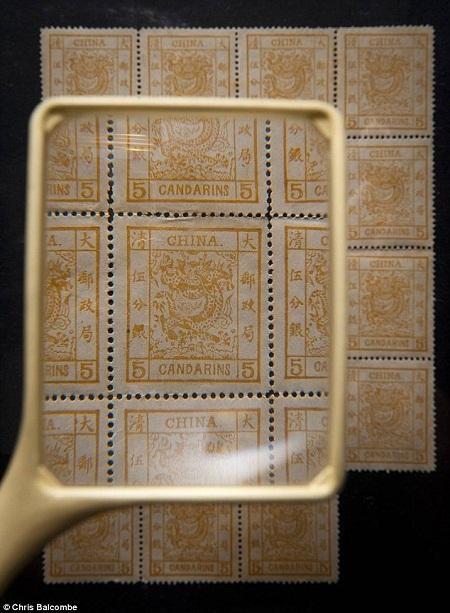 Những con tem bị bỏ quên bỗng có giá 8 tỉ đồng