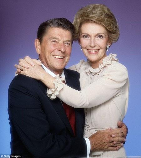 Ronald Reagan và người vợ đầu Jane Wyman.