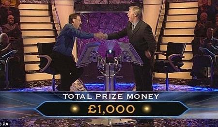 Charles Ingram tại thời điểm giành được phần thưởng 1 triệu bảng từ chương trình.