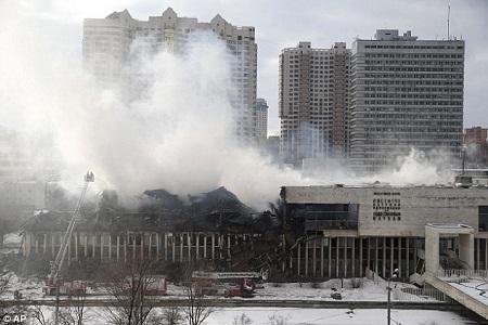 """Hỏa hoạn cháy thư viện như """"Chernobyl trong văn hóa"""" ở Nga"""
