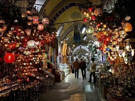 Thử một lần đi lạc trong chợ lớn Grand Bazaar ở Istanbul, Thổ Nhĩ Kỳ.