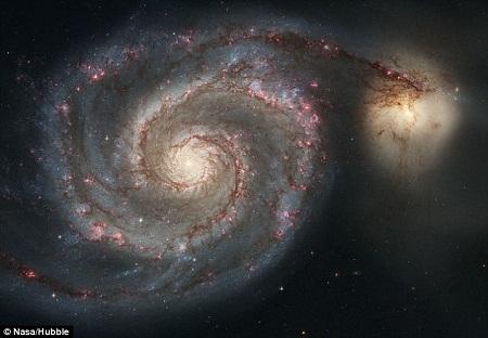 Thiên hà Xoáy ốc ở cách chúng ta khoảng 23 triệu năm ánh sáng.