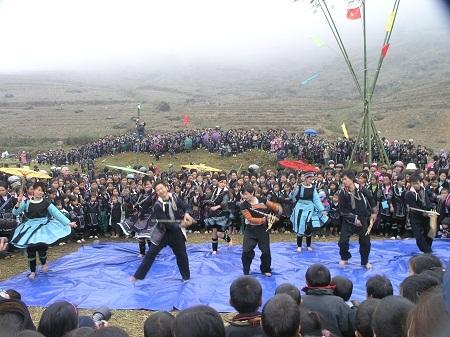 Lễ hội hát giao duyên của người Dao đỏ Tả Phìn Sa Pa.