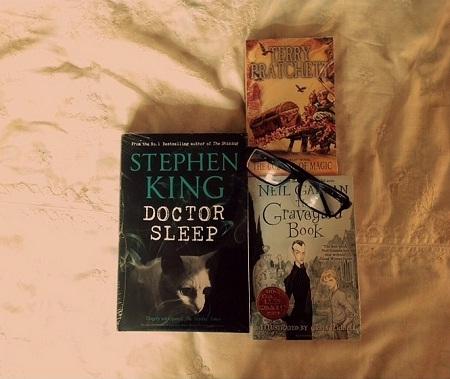 Niềm hạnh phúc đến từ những cuốn sách.