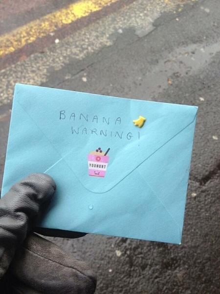 Nhận được lá thư viết tay từ người bạn cũ.