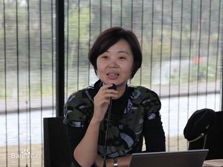 Biên kịch Chu Hiểu Phong