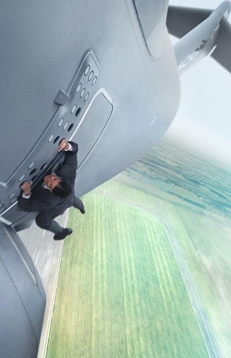 """Tom Cruise mạo hiểm tính mạng đóng """"Nhiệm vụ bất khả thi 5"""""""