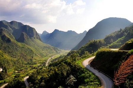 Muốn ngắm cảnh núi non trùng điệp? Hãy tới Sapa. (Ảnh: Nathan O'Nions/Flickr)