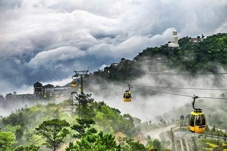Hãy thử đi cáp treo cao nhất và dài nhất thế giới ở Việt Nam. (Ảnh: Trang Nguyen/The Guardian)