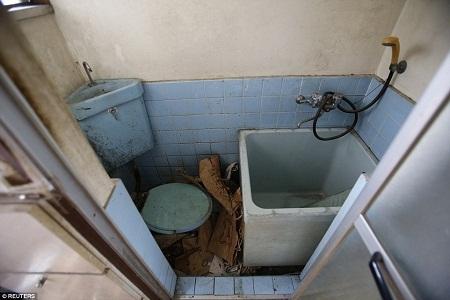 Biệt đội chuyên dọn dẹp nhà cửa của những cụ già cô đơn, qua đời không ai hay biết.