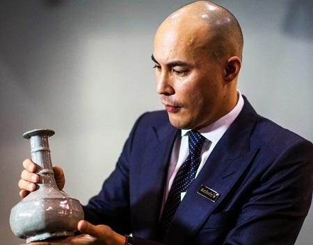 Chiếc bình gốm giá 320 tỉ đồng