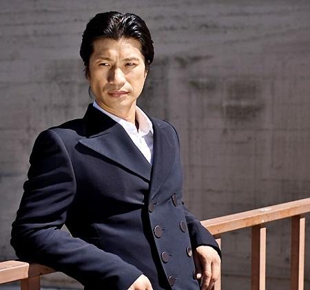 Nam diễn viên người Mỹ gốc Việt - Dustin Nguyễn
