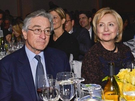 Bà Hillary và ca sĩ - nhạc sĩ Lenny Kravitz cùng xuất hiện tại một sự kiện.