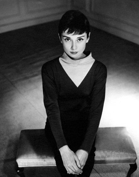 Audrey Hepburn (1955).